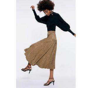 NWT! Zara Jacquard Midi Skirt